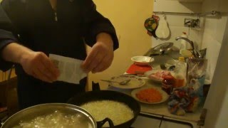 Щи и мясо, как приготовить ужин в командировке