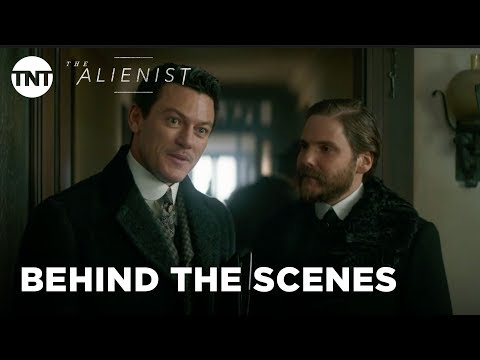 The Alienist: Fashion of the Gilded Age with Dakota ning & Luke Evans  Season 1 BTS  TNT