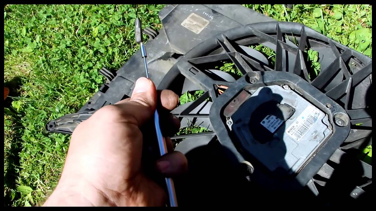 2004 volvo s60r radiator fan replacement overheating - YouTube