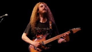Jazz fusion backing track in A minor (Guthrie Govan Style)