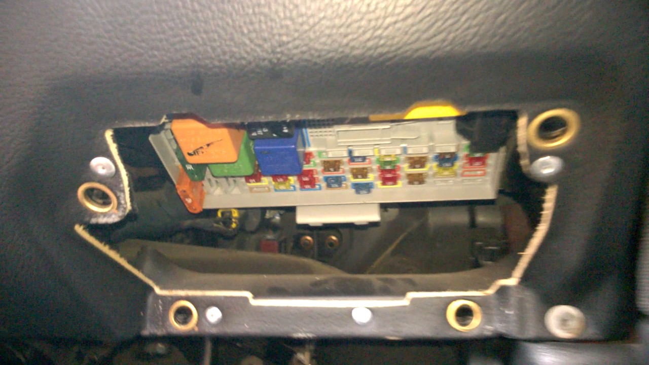 astra g mk4 fuse box location youtube rh youtube com