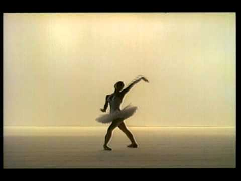 Dying Swan - Maya Plisetskaya - YouTube