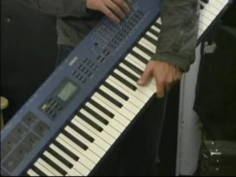 How to Travel with Instruments : Traveling with a Keyboard
