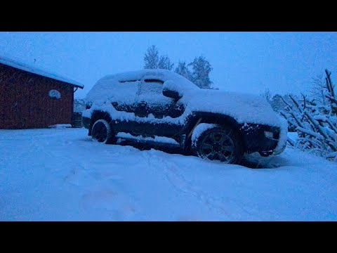 Drifting Prado 120 in the snow in Norway