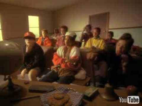 Клип 3rd Bass - Pop Goes The Weasel