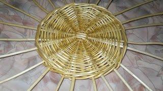 Вставка стояков при плетении из лозы - Inserting risers with wickerwork