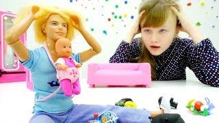Муж #БАРБИ КЕН успокаивает ребенка. #пупсы и пупсики - игры для девочек на TUBE GIRLS