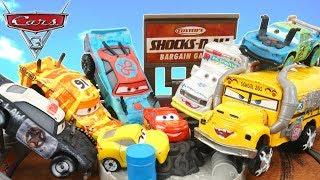 CARS 3 THUNDER HOLLOW CRASH PLAYSET CRAZY 8 CRASHERS MINIS RACERS