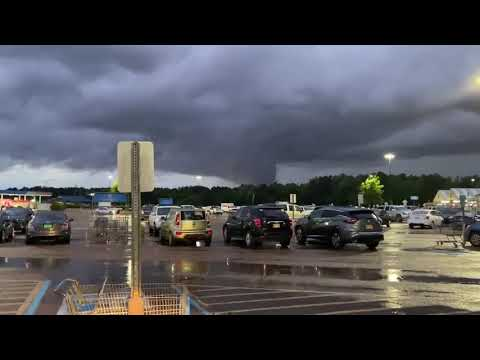 Possible Tornado Spotted Near Jackson, Mississippi Amid Warnings