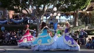 Mickey's Soundsational Parade - Disneyland Park - Disneyland Resort