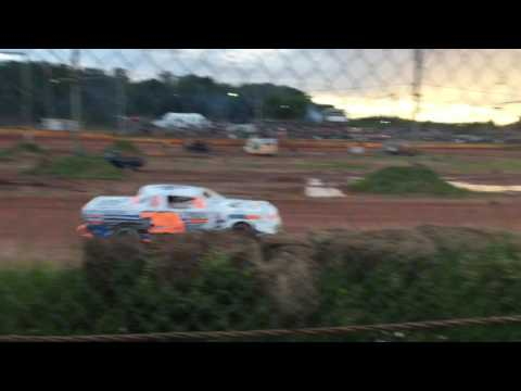 Tomahawk Speedway Street Stock heat races 1 and 2