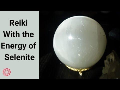 Reiki with Selenite