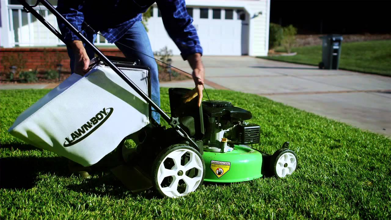 High Wheel Push Mower By Lawn Boy Youtube