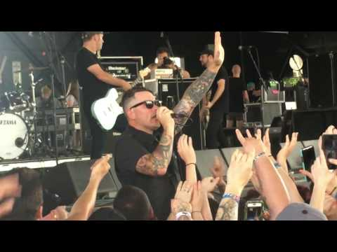 Hawthorne Heights: Ohio is for Lovers - Warped Tour - 7/14/17 - Burgettstown, PA - KeyBank Pavilion