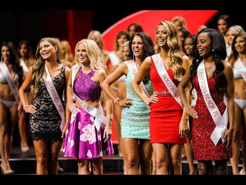 Hooters 21st International Swimsuit Pageant (2017)