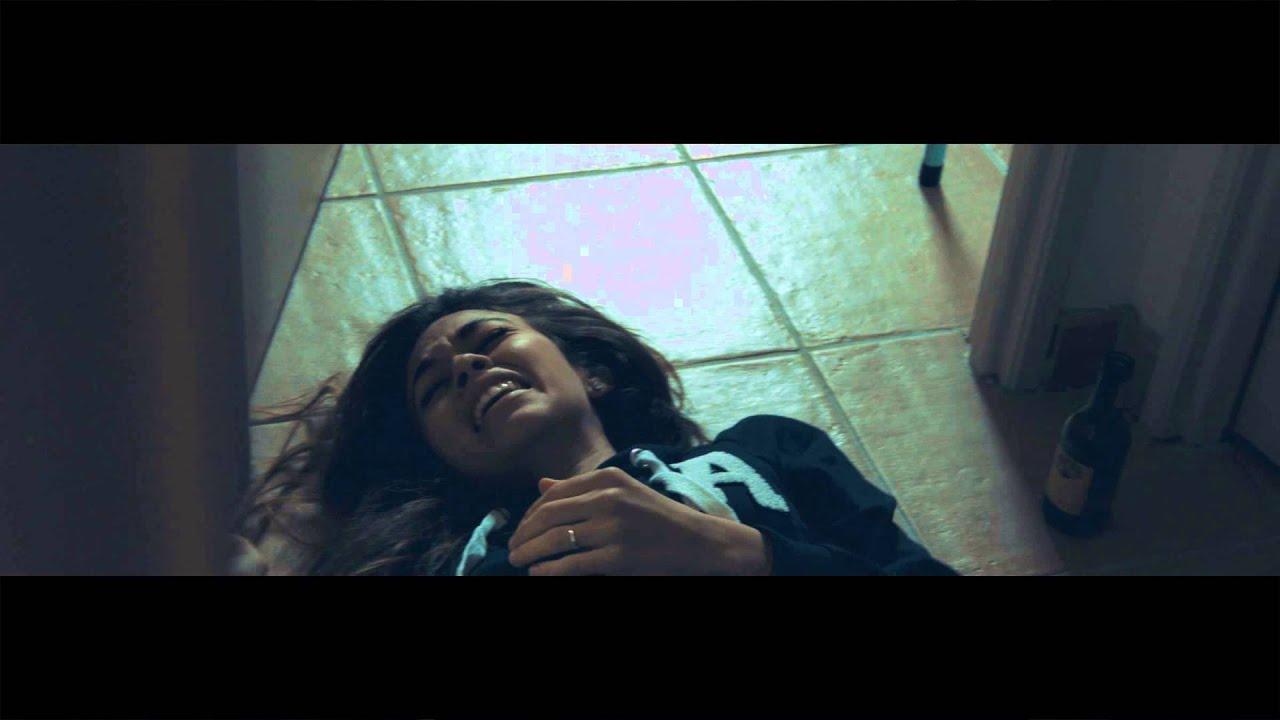 Maman africaine noire a pris la baignade sur cam