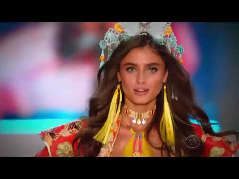 Taylor Hill on the Victoria's Secret Fashion Show Runway 2014 - 2017