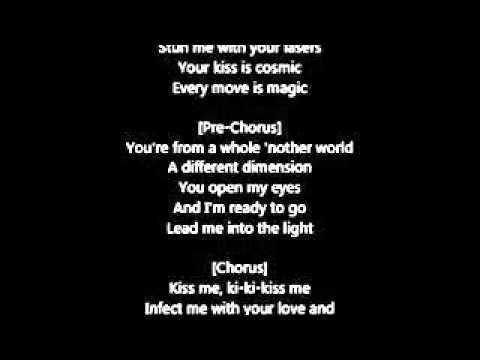Kiss me кэти перри текст