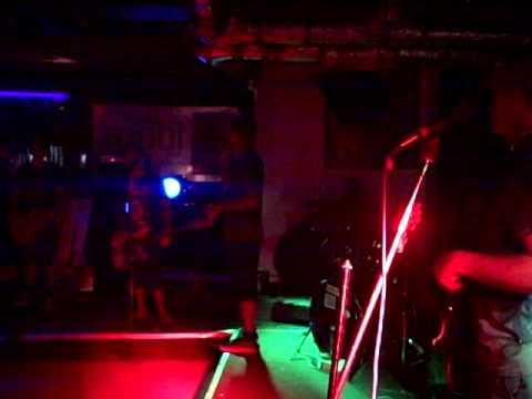 Guttermouth-Mark declares boredom, dismisses band