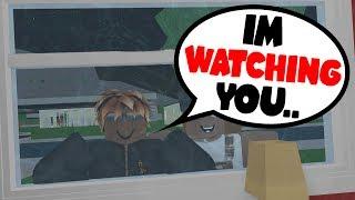 CREEPY FAN STALKS MY WINDOW! (Roblox Bloxburg)
