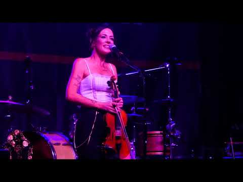 Amanda Shires (The Highwomen) - Highwomen - Live In Louisville KY 2019-09-25