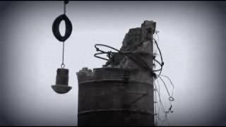 Wyburzenie komina po cegielni w Karmelicie