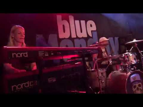 THE BREES - Intro KOFMEHL SOLOTHURN 2019 BlueMonday