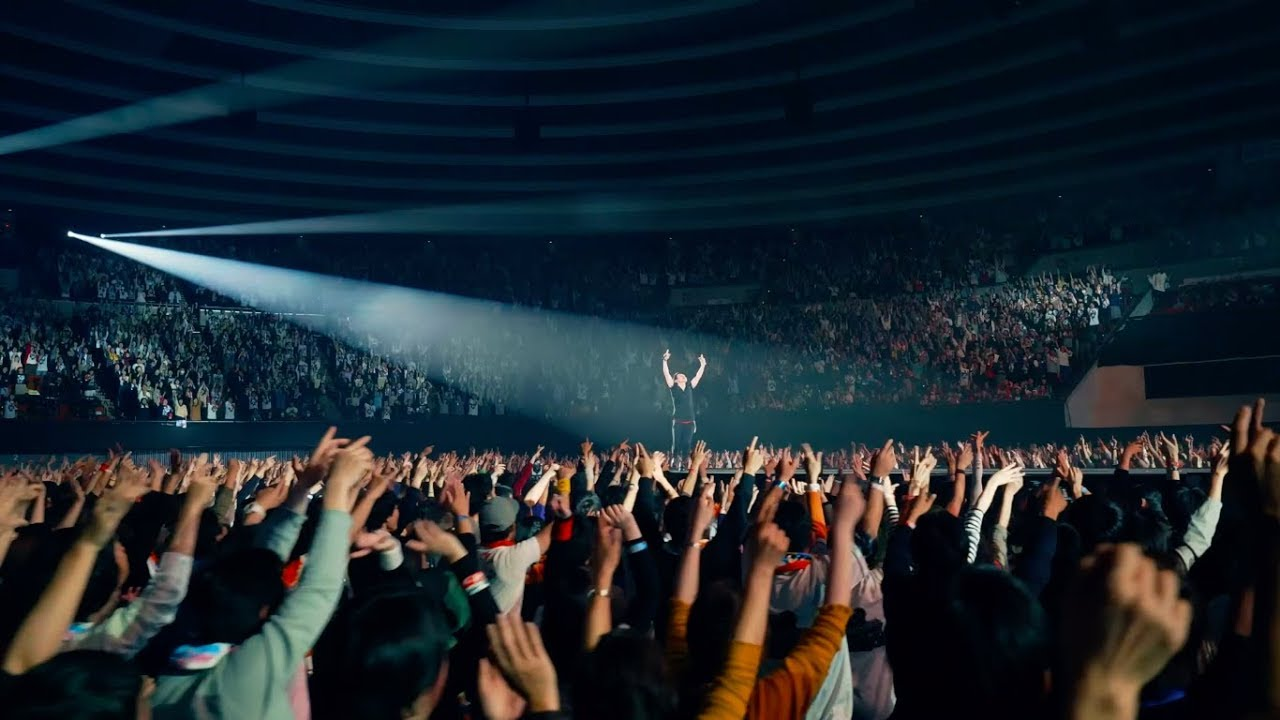 Mr Children 海にて 心は裸になりたがる など2曲のライブ映像を公開 新譜 Mr Children Tour 18 19 重力と呼吸 Live Dvd Blu Ray 19年6月26日発売予定 邦楽