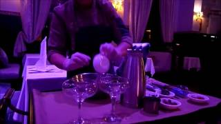Ресторан Метрополь  г. Санкт- Петербург. Шоу приготовление мороженого.(Шоу приготовление мороженого в Санкт-Петербургском ресторане Метрополь., 2016-11-21T22:48:11.000Z)