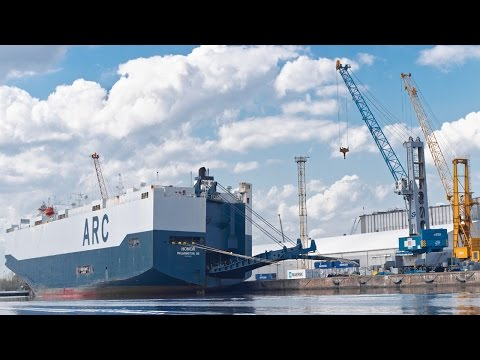 Honor ARC Cargo Ship RO-RO Car Carrier Vessel Port Szczecin