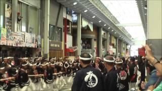 2014年9月13日 午前曳行の駅前通商店街内の8町パレード.