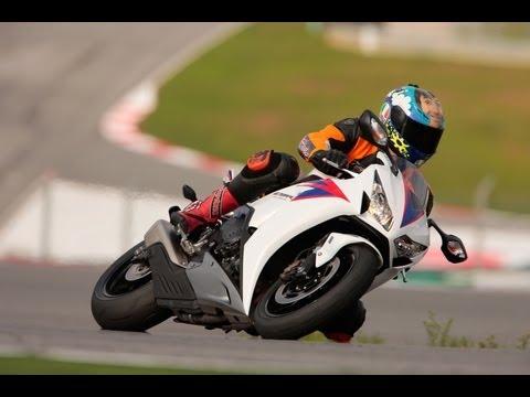 Honda CBR 1000 RR Fireblade 2012 Tracktest