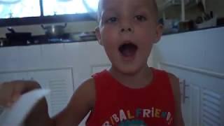 Максим зачитал и заговорил, 3,5 года. Методика Доман и аутизм.