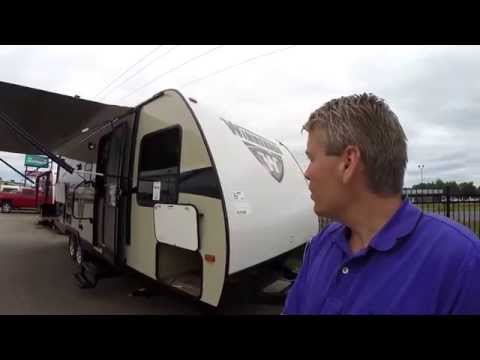 2016 Winnebago Minnie 2201DS with Outside Kitchen and Huge Bathroom!