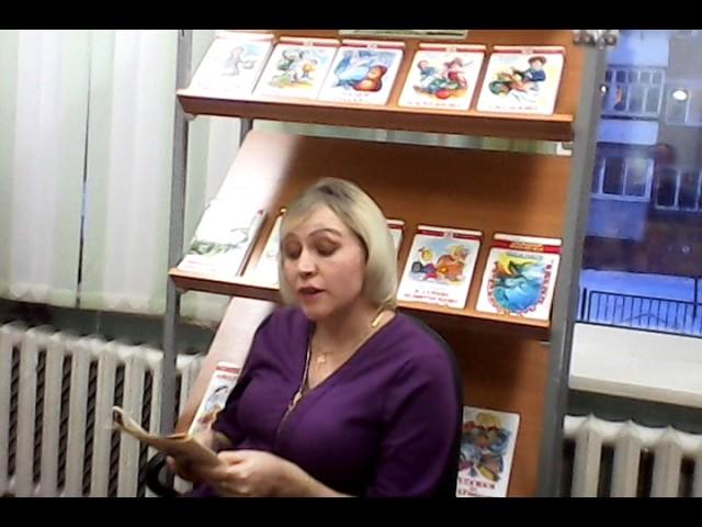 Изображение предпросмотра прочтения – Елена БорисовнаВасильева читает произведение «Лебедь, Рак и Щука» И.А.Крылова