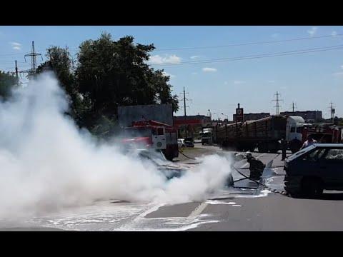 Ukrainian nationalists attack police in Mukachevo, western Ukraine