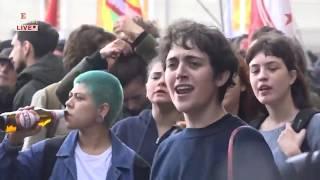 Bologna, tensione alla manifestazione antifascista contro Forza Nuova