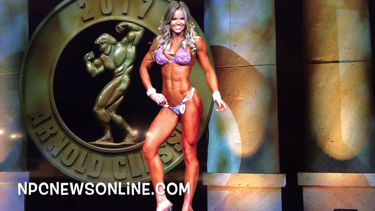61c734007e125 IFBB Bikini Pro Justine Munro 2017 Arnold Posing Routine - YouTube