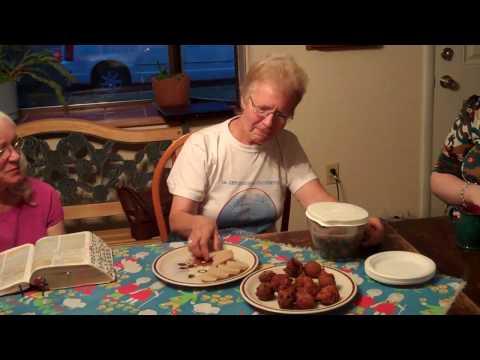 Wendy Bernhard describes food of the Democratic Republic of Congo for Team Wendy