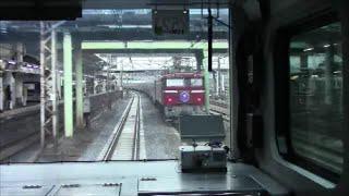 尾久から上野への寝台特急カシオペア推進回送を、並走する宇都宮線電車...