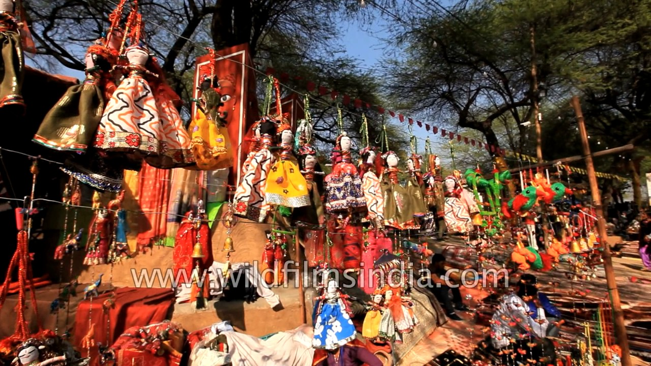 Indians Shop For Home Decorative Items At Surajkund Mela, Faridabad