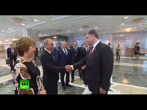 In search of peace: Putin & Poroshenko shake hands at key Ukraine talks