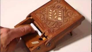 Pop Up Vintage Cigarette Dispenser Box.mpg