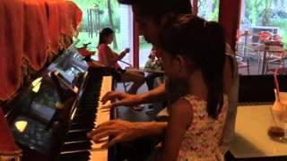 I need you tonight - Bố Dũng đàn hát tặng SUE 6 tuổi ở quán cafe (Tháng 4/2016)