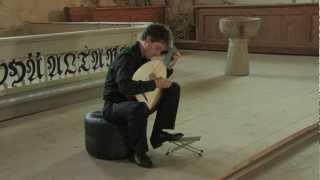 """Michal Gondko plays """"Muy linda"""" by Anthony Holborne"""