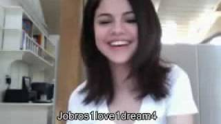 Selena Gomez Live Chat