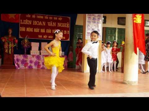 Nhảy khiêu vũ : Minh Đăng - Bảo Trâm