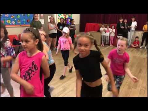 Beginners Street dance class take on Rihanna week