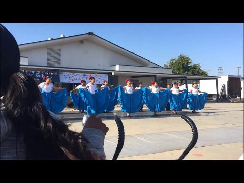Oakley School Ballet Folklorico- El Canelo