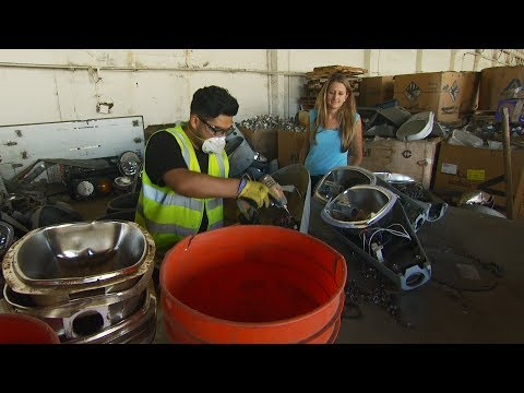 PG&E Partners With a Woman-Owned Business to Recycle Street Lights